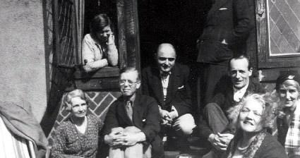 """Mitrinović-sa-članovima-grupe-""""Nova-Evropa""""-tokom-tridesetih-godina-prošlog-veka"""